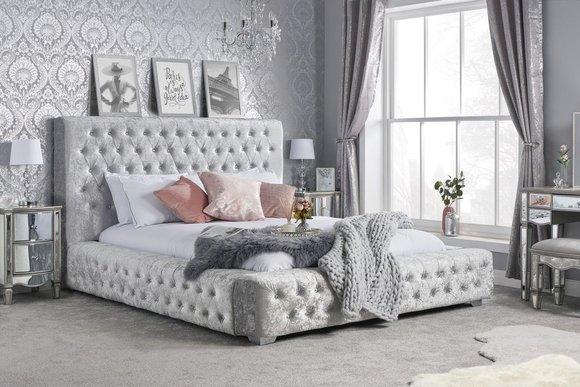 Chesterfield Designer Bett Schlafzimmer Textil Leder Polster 180x200cm Textil Www Jvmoebel De La Design Chesterfield Mobel Ledersofa Sofa