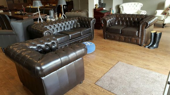 chesterfield sofas und ledersofa liverpool designersofa. Black Bedroom Furniture Sets. Home Design Ideas
