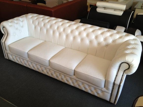original chesterfield leder sofa oxford mit steinen. Black Bedroom Furniture Sets. Home Design Ideas