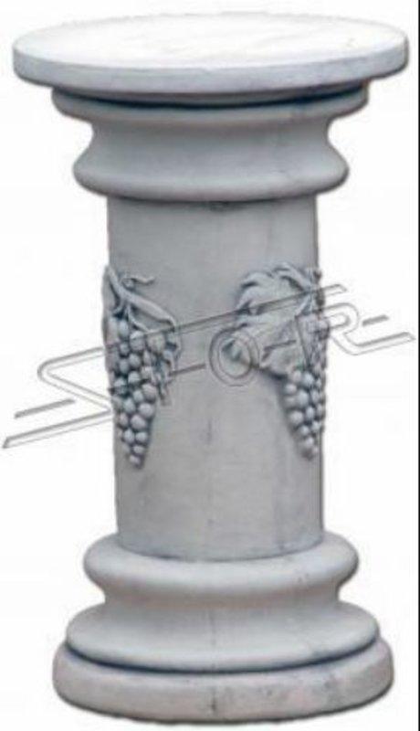 Säule im antiken Design